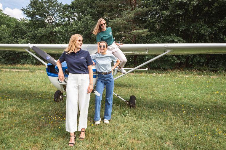 Antwerpse stewardessen starten kledinglijn 'Nothing Plane'.