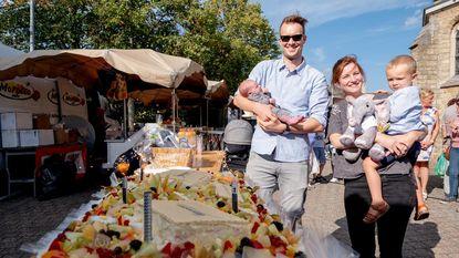 Lucille gevierd op markt als 15.000ste inwoner
