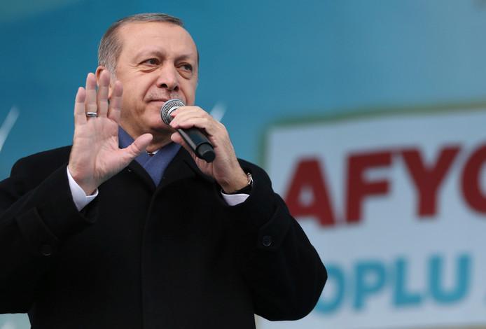 Recep Tayyip Erdogan wil de stedenband met Turkije verbreken.