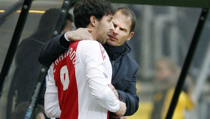 Frank de Boer met Mounir El Hamdaoui in 2011.