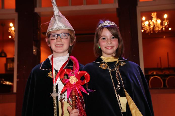 Freek Boer en Femke Bastiaansen, als nieuwe jeugdprins Dreke dun 43e en jeugdprinses Femke, gaan de Dongense jeugd de komende carnaval voor in de leut.
