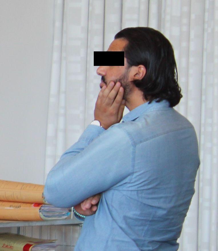 De veroordeelde N.M. voor de rechtbank.