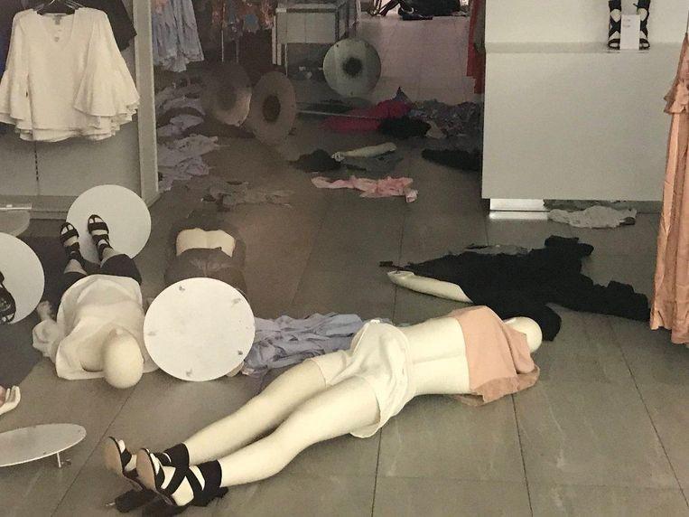 Vernielingen in een H&M-filiaal Beeld reuters