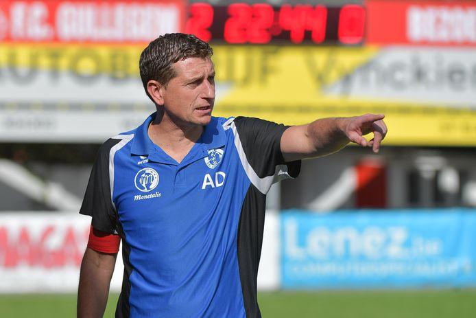 """Trainer Allan Deschodt gaat straks dichter bij huis aan de slag en verlaat dus FC Gullegem: """"Kiezen is verliezen."""""""