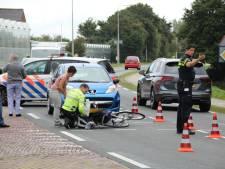Fietser na aanrijding gewond naar ziekenhuis