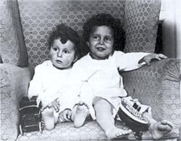 Edmond en Michel Navratil overleefden de scheepsramp. Hun vader werd nooit meer gezien.