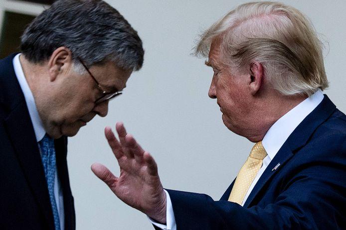 Le ministre de la Justice William Barr et Donald Trump