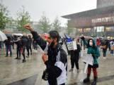 Demonstranten roepen om gerechtigheid in Enschede: 'Genoeg is genoeg'