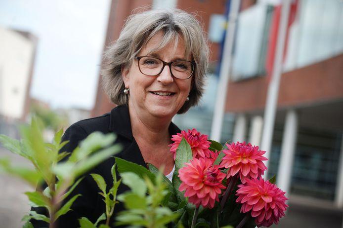 Burgemeester Ellen Nauta staat in direct contact met Sinterklaas.