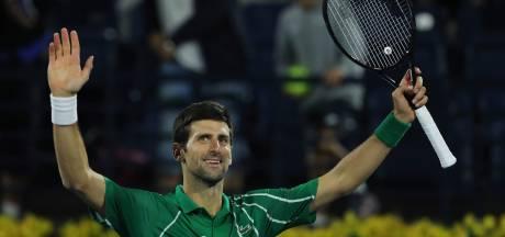 Djokovic zonder problemen naar halve finales in Dubai