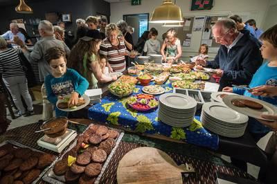 Vegabarbecue luidt vleesloze week in Heilig Landstichting in