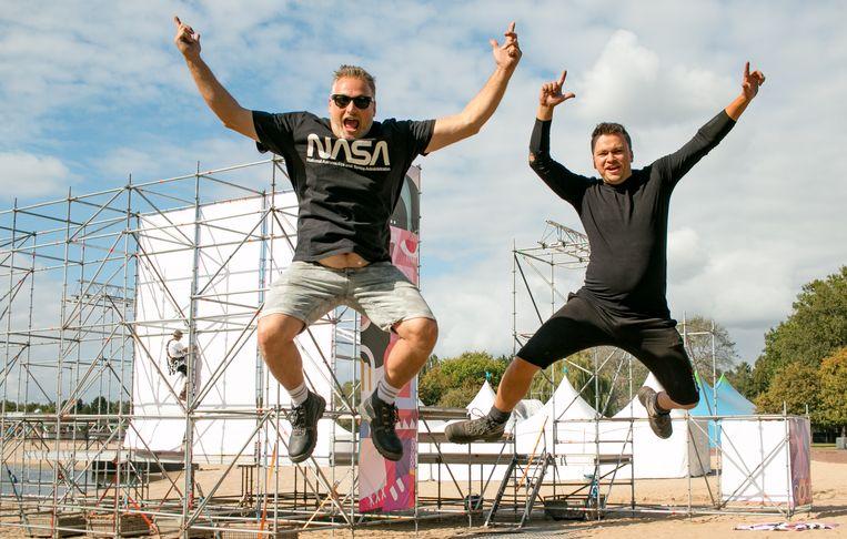 """Organisator Guy Pluym van The Big Bounce (links): """"Jebroer was de headliner. Dit is dus heel vervelend."""""""