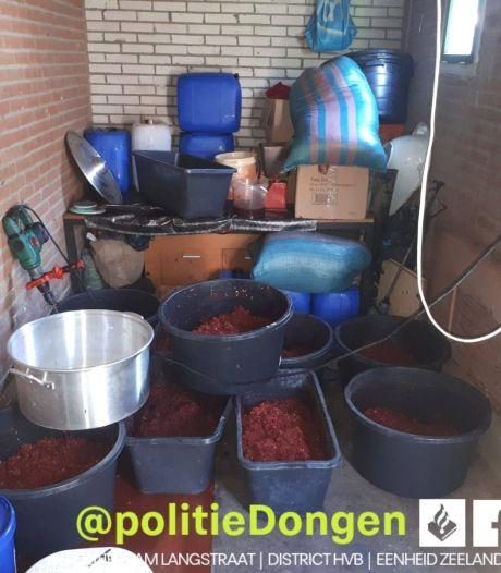 Illegale tabaksfabriek gevonden in schuurtje Dongen, douane neemt 358 kilo tabak in beslag