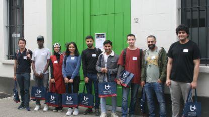 Studenten sponsoren taalbad voor vluchtelingen opUAntwerpen