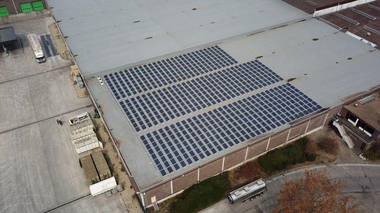 Luchtfoto van de zonnepanelen op Ilva