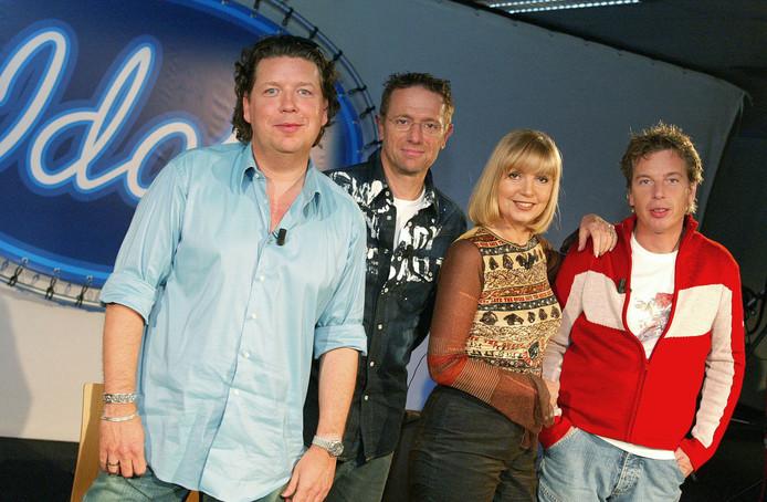 De jury van het eerste Idols-seizoen: Henkjan Smits, Eric van Tijn, Jerney Kaagman en Edwin Janssen.