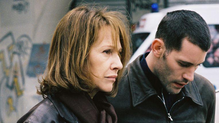 Nathalie Baye en Jalil Lespert in Le petit lieutenant. Beeld