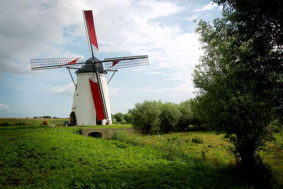 De molen van Meetkerke is één van de mooiste plekjes langs het parcours.