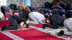 """""""Bidden in shifts van 100 gelovigen"""": Offerfeest krijgt aangepaste 'coronaregels'"""