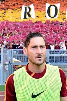 AS Roma plaatst zich voor Champions League bij emotioneel afscheid van clubicoon Totti