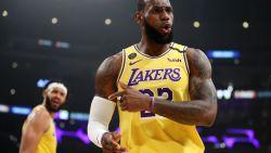 LeBron James overschrijdt kaap van 34.000 punten en stuwt Lakers voorbij Bucks in NBA-kraker