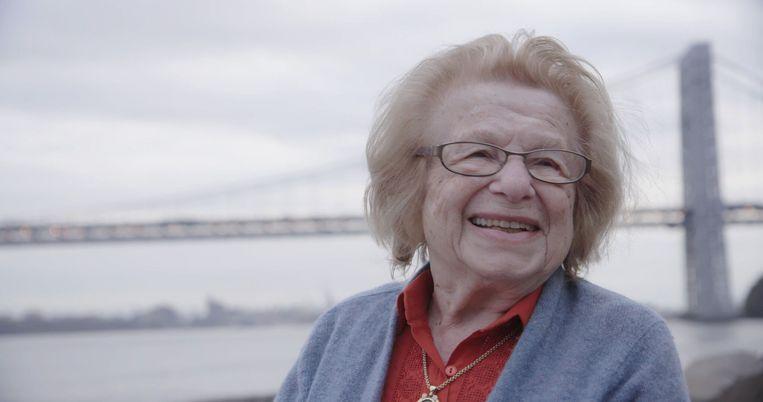 Dr Ruth. Beeld