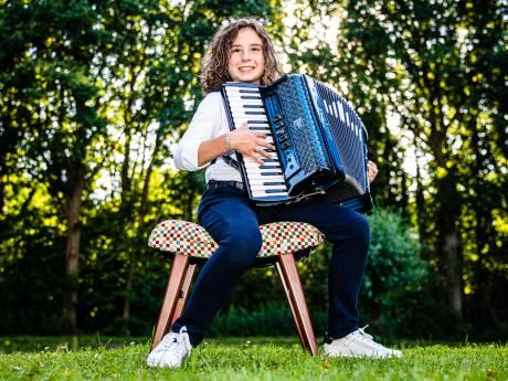 Jamiro (12) uit 's-Gravendeel verovert Nederland met zijn accordeon: 'De volgende stap is de hele wereld'