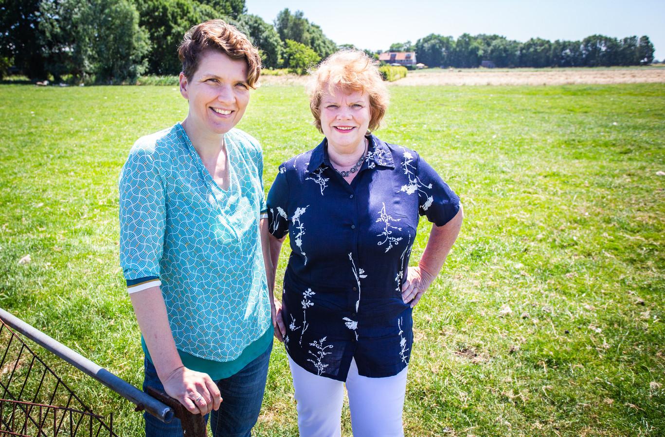 Patricia van der Beek (links).