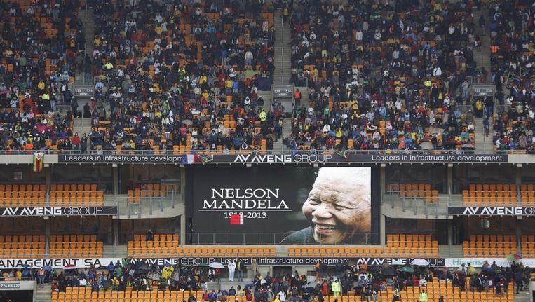 Het FNB-stadion in Johannesburg waar de herdenkingsdienst voor Mandela vandaag plaatsvindt. Beeld ap