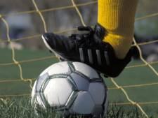 Voetbalsters Hontenisse krijgen harde les bij debuut in eerste klasse