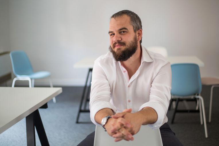 Zoltán Mester, woordvoerder van mensenrechtenclub AEE. Beeld Judit Ruprech