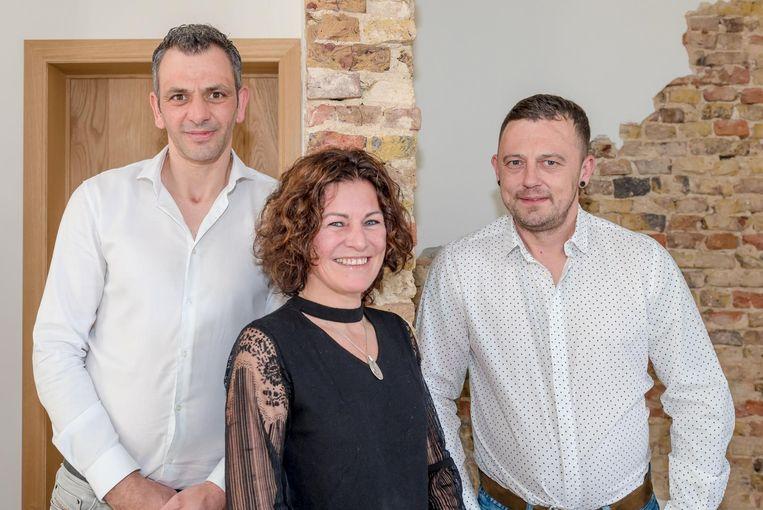 Andy Declercq, die mee in het bedrijf zit, Veerle Everaert en Steven Vandervaren.