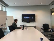 7500ste promovendus WUR krijgt bul via Skype: 'Ineens lieten ze de gouden koker zien'