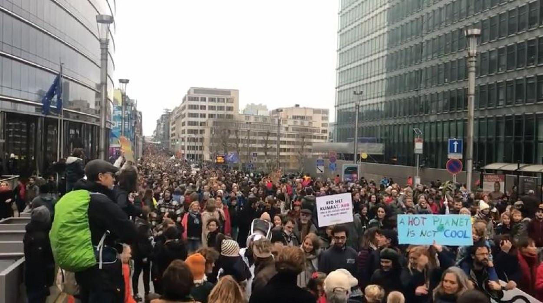 Belgische media spreken van 'de grootste klimaatmars ooit' in België.