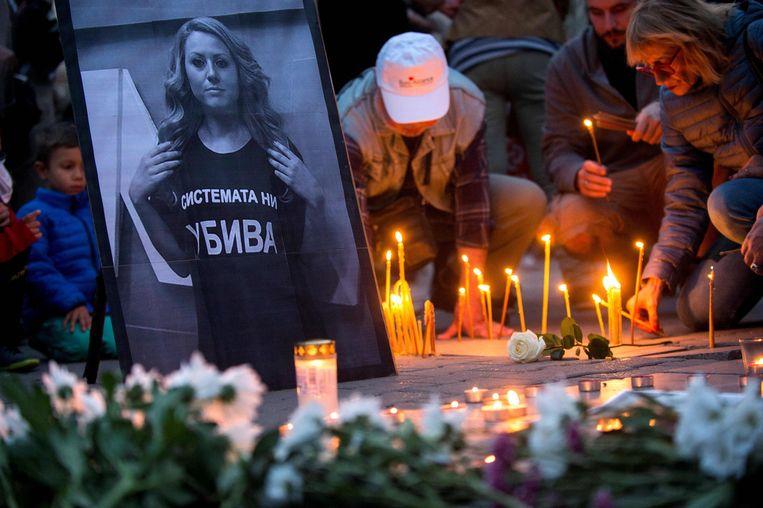 In Bulgarije kwamen een honderdtal mensen samen voor de wake van de journaliste.