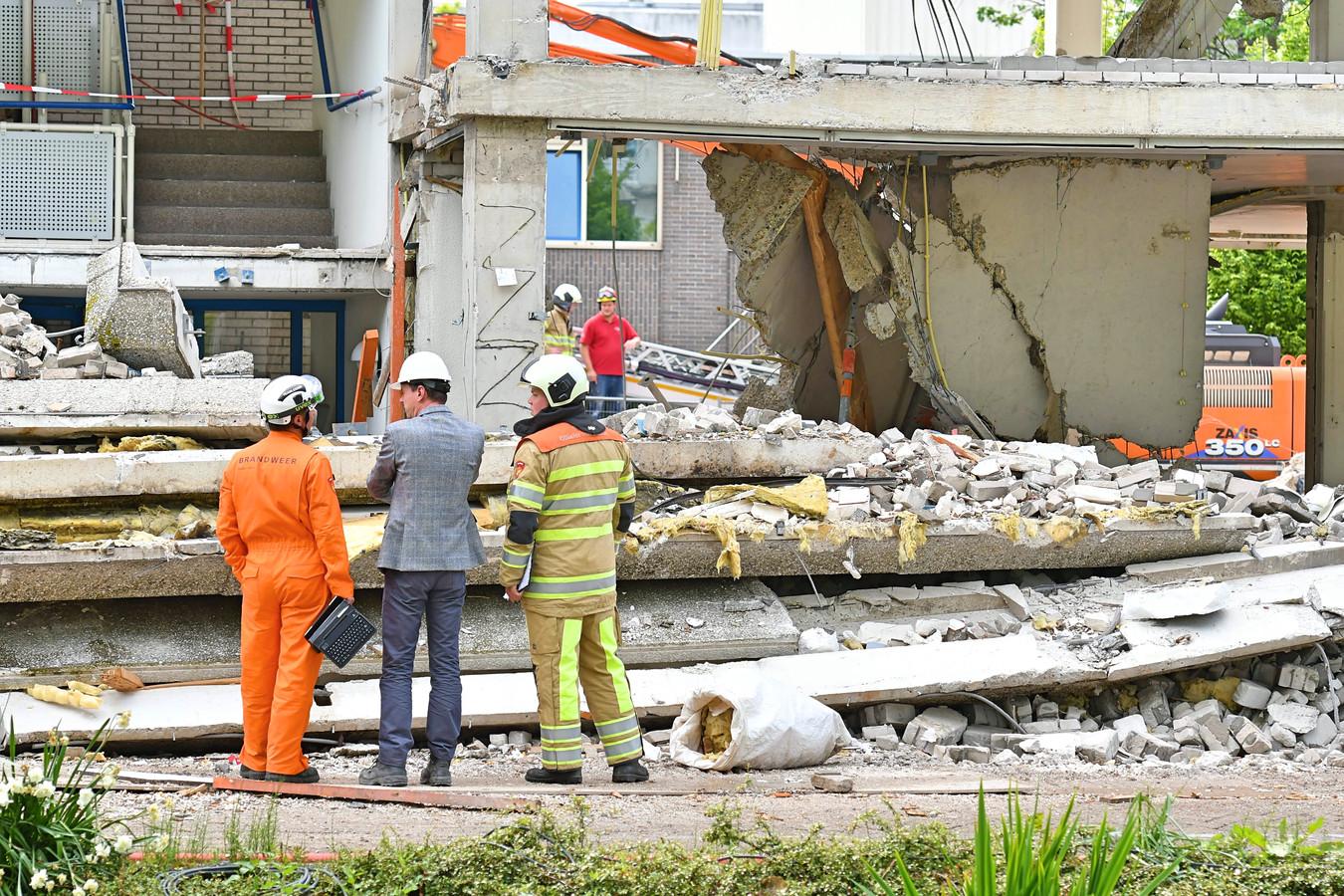 Door een instorting in het oude stadhuis van Woerden kwam vorige week nog een bouwvakker om.