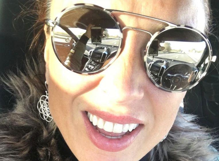 Natalia ligt onder vuur omdat ze een selfie nam in de auto.