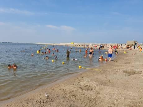Burgemeester sluit per direct strand op IJburg in Amsterdam