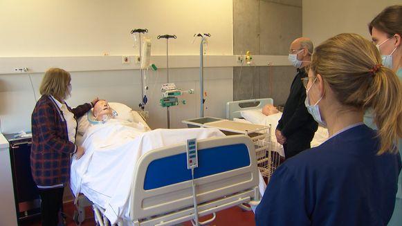 72 zorgverleners volgen een spoedcursus om Covid-patiënten te verzorgen.