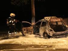 Zwaargewonde bij ernstig ongeval in Volkel: omstanders trekken slachtoffer uit brandende auto