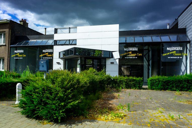 In het gebouw van autogarage Nijsmans in Wijnegem komt binnenkort een Kringwinkel.