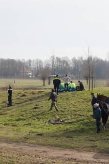 Jonge vrouw zwaargewond na val van paard in Waspik, traumaheli opgeroepen