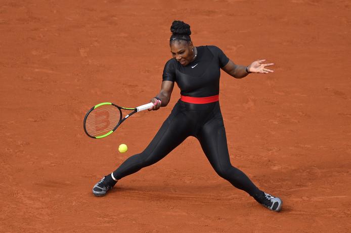 Roland Garros Handdoek.Je Kijkt Er Toch Naar Uit Wat Zou Serena Nu Weer Dragen Tennis
