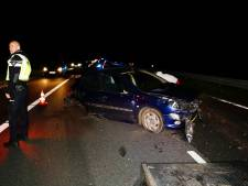 Auto's total loss na botsing op A73 bij Beers