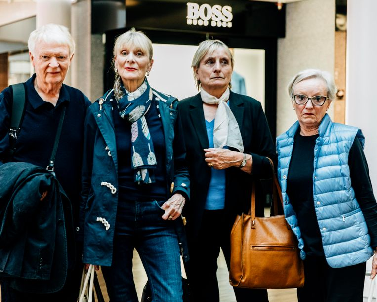 Van links af: Trevor Worth (niet in het verhaal), Dorothy Worth, Barbara Phanjoo en Jennifer McParland. Beeld Rebecca Fertinel