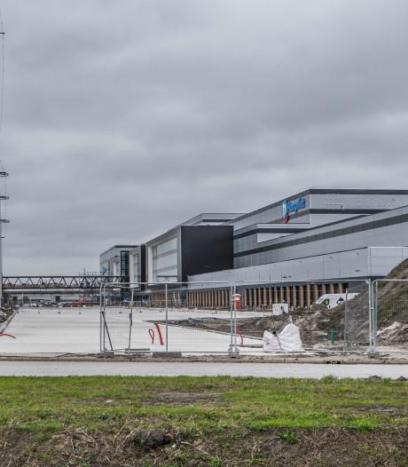 De grote, grijze dozen rukken op: 'Door gebrek aan planning groeit Haagse regio dicht'