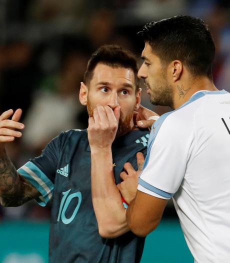 Messi en Suarez houden elkaar in omstreden oefenduel in evenwicht