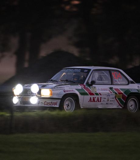 Klassement Hellendoorn Rally op zijn kop na avondproeven