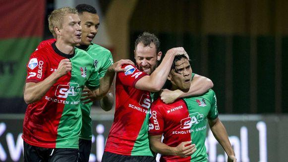Bart Buysse feliciteert Foor met z'n winner.