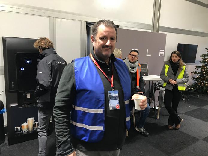 Huidige Tesla-rijders helpen mee als vrijwilliger